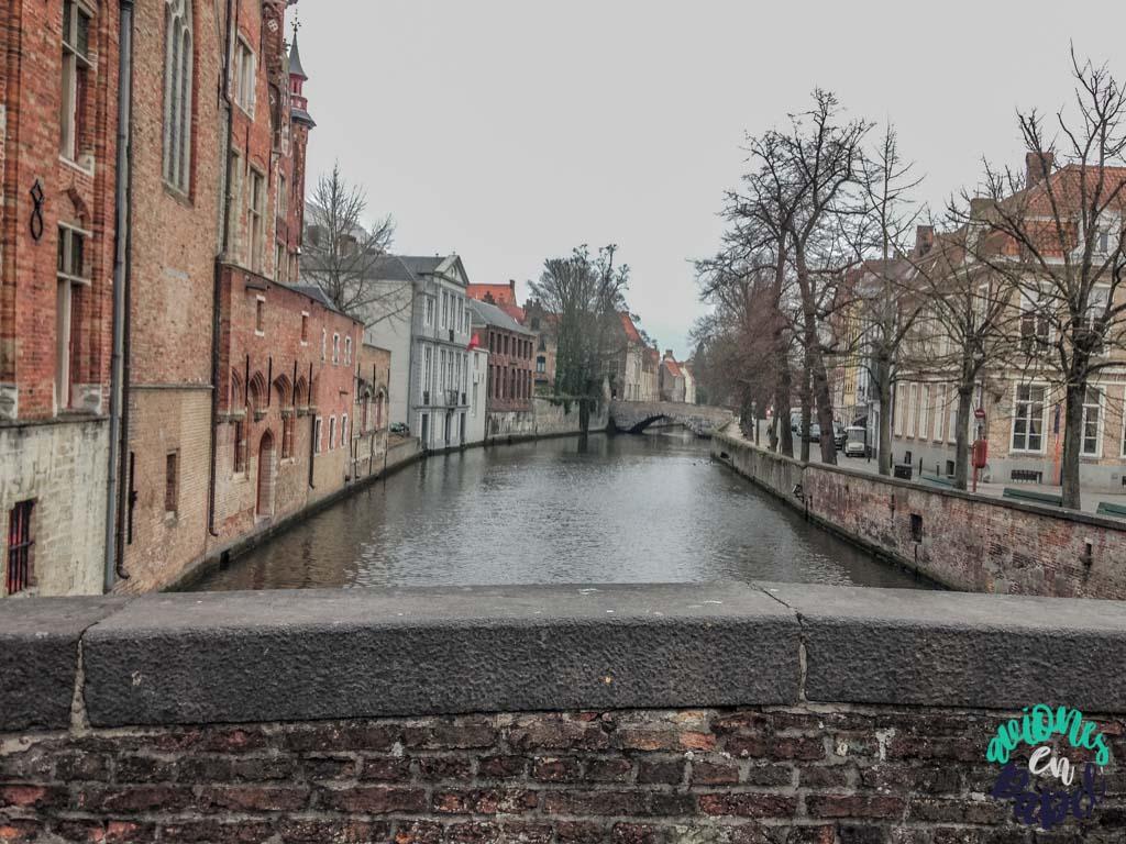 Puente sobre el canal de Brujas. Qué ver y hacer en Brujas en 2 días