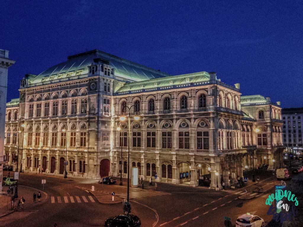 Ópera de Viena de noche
