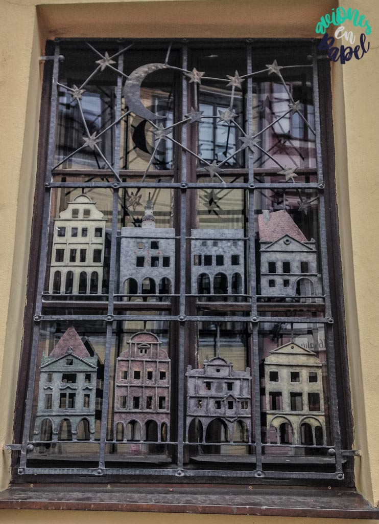 Detalle ventana. Qué ver y hacer en Cesky Krumlov en 1 o 2 días
