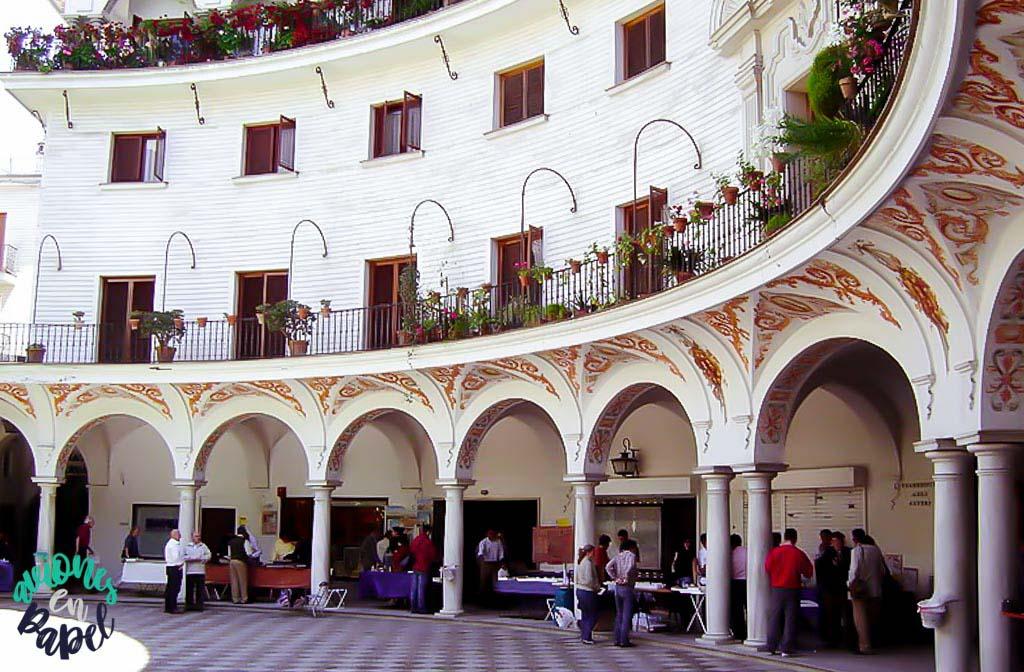Plaza_gabildo_barrio_arenal_sevilla_andalucia
