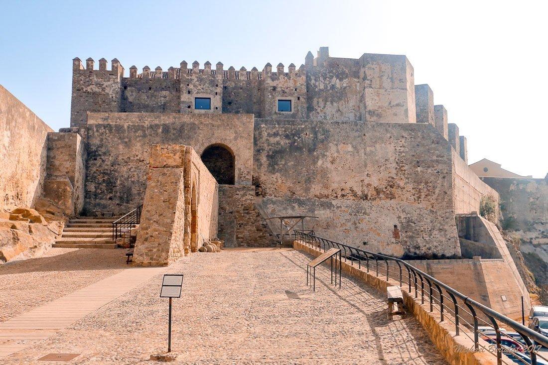 Ruta por las mejores playas y pueblos que ver en Cádiz en 5 días - Castillo de Tarifa