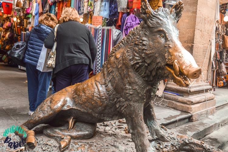 Fontana del Porcelino en la Plaza del Mercado Nuevo, Florencia
