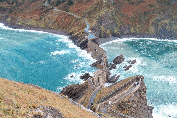 Vistas del sendero de roca desde la zona alta de la Ermita