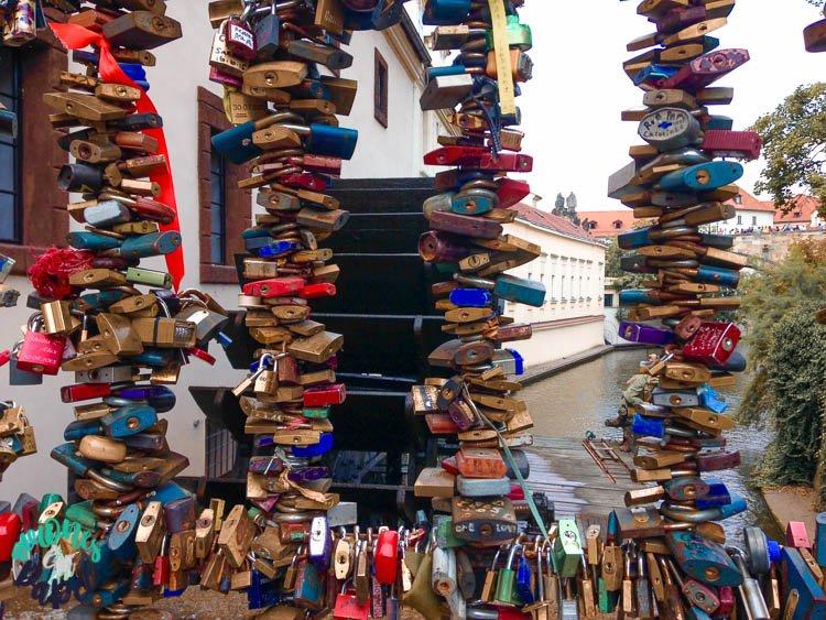 Candados en el Puente del Amor, Praga