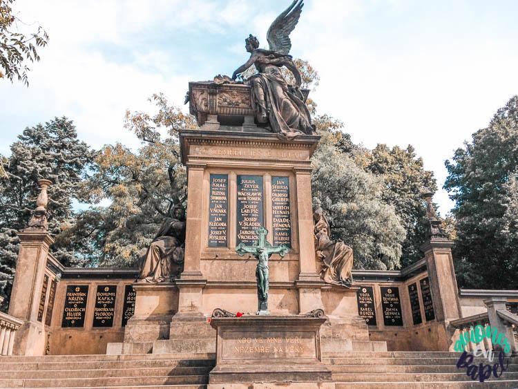 Cementerio de Vyšehrad. Praga