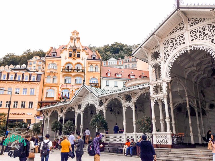 Qué ver y hacer en Karlovy Vary en un día: Columnata del Mercado