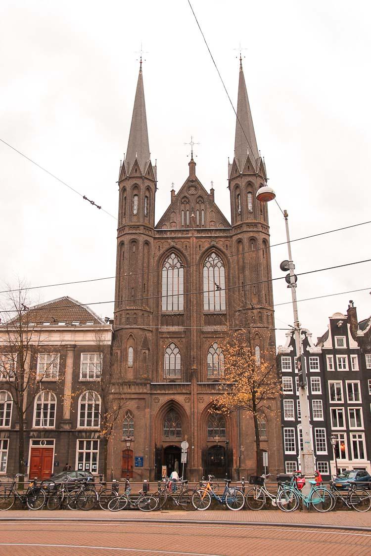 Iglesia de Krijtberg (Iglesia de San Francisco Javier). Ámsterdam