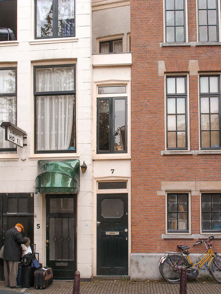 Calle más estrecha del mundo en Singel 7, Ámsterdam