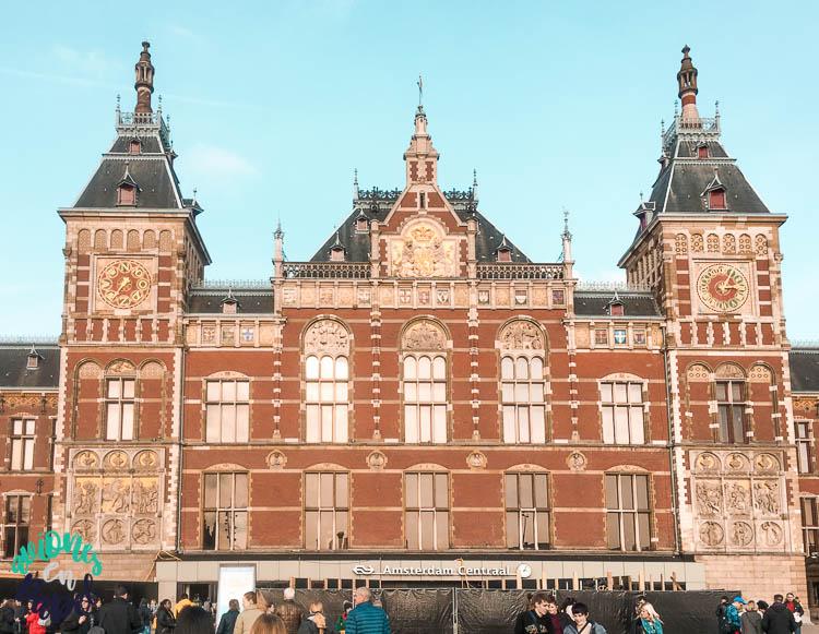 Estación Central de Ámsterdam. Qué ver en Ámsterdam en 3 días