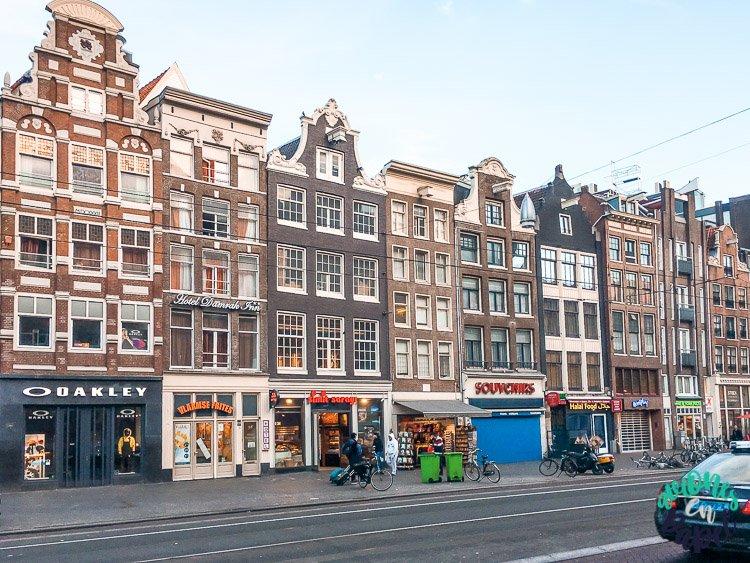 Avenida Damrak, Ámsterdam