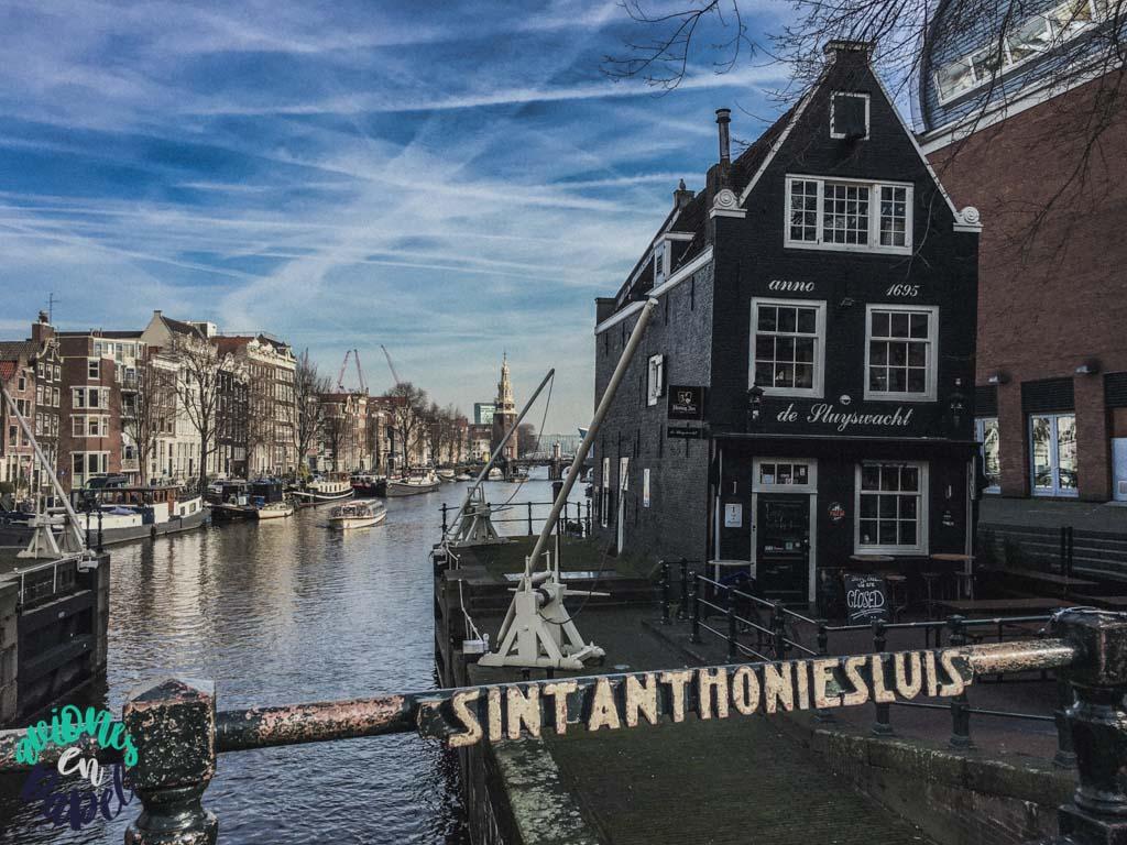 SINT ANTHONIESLUIS. Qué ver y hacer en Ámsterdam en 3 días