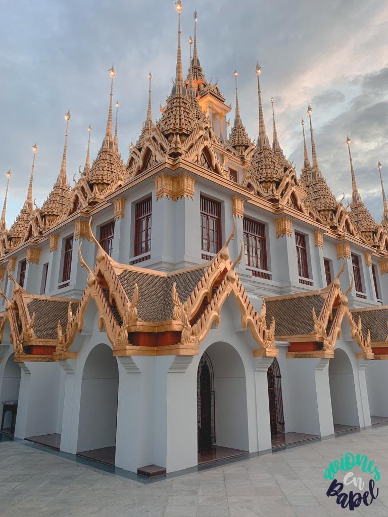 Detalles del Loha Prasat. Qué ver en Bangkok en 3 días