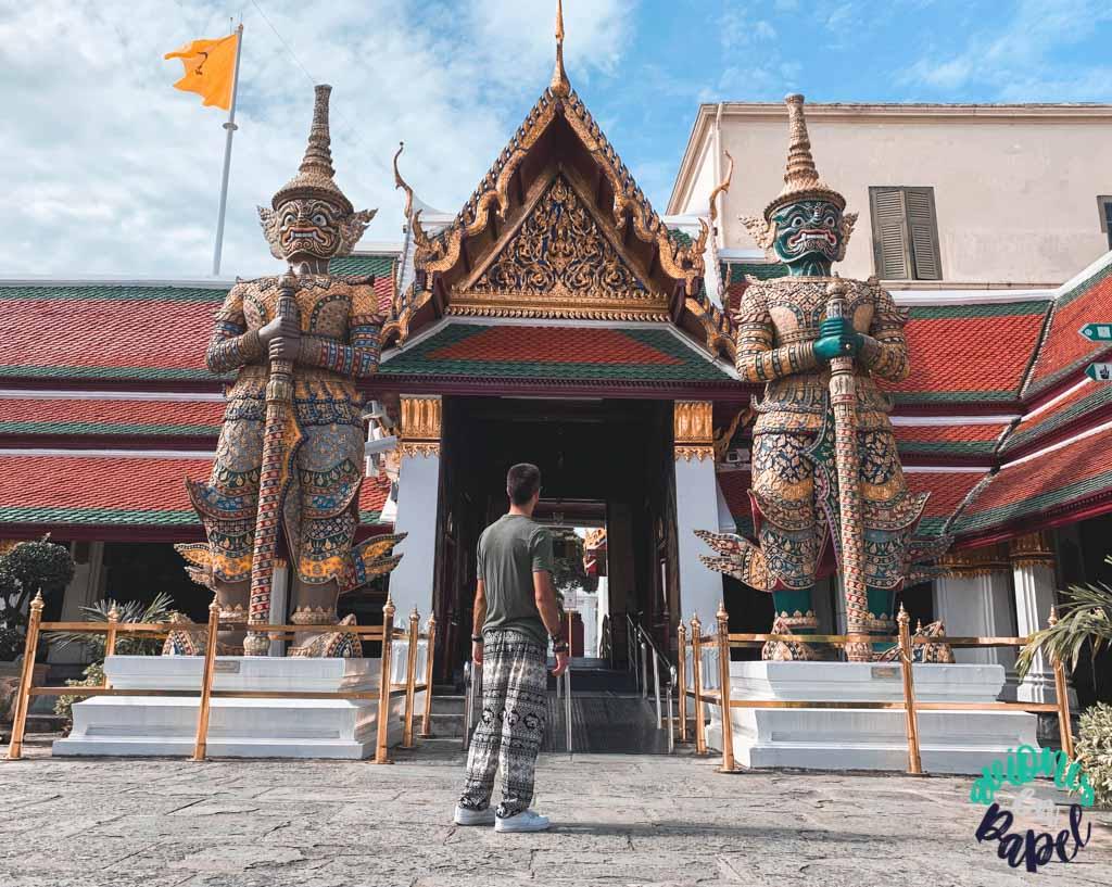 Demonios guardianes del Grand Palace. Qué ver en Bangkok en 3 días