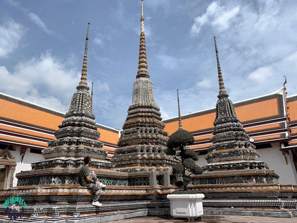 Chedis o estupas del Wat Pho. Qué ver en Bangkok en 3 días