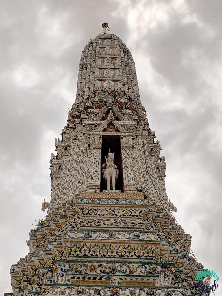 Prang laterales del Wat Arun. Qué ver en Bangkok en 3 días