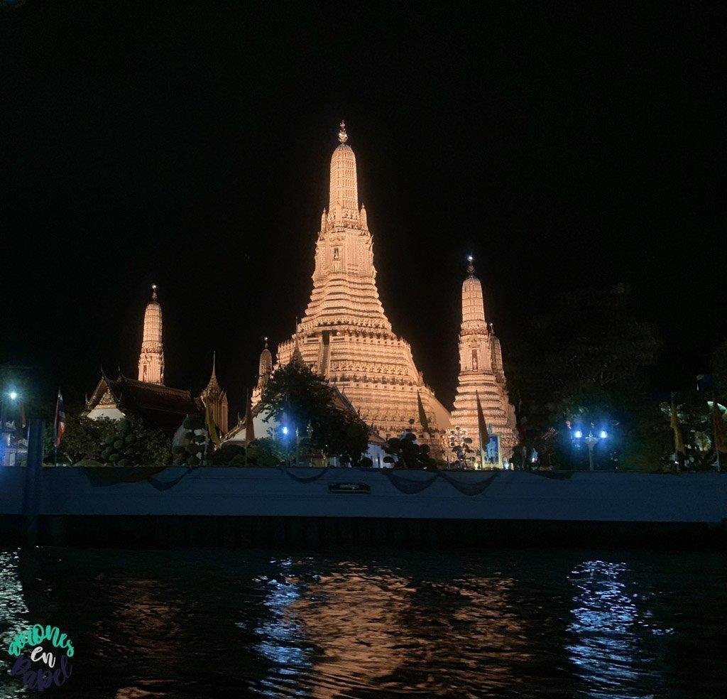 Wat Arun iluminado. Qué ver en Bangkok en 3 días