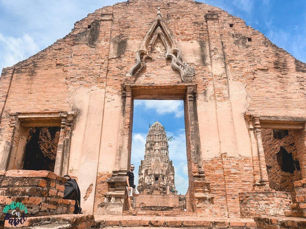 Entrada al Wat Ratchaburana. Qué ver y hacer en Ayutthaya en 1 día