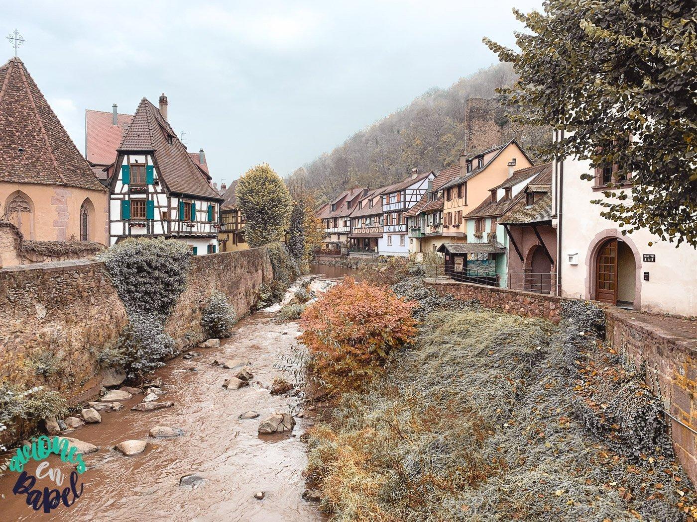 Pueblo de Kaysersberg en Alsacia