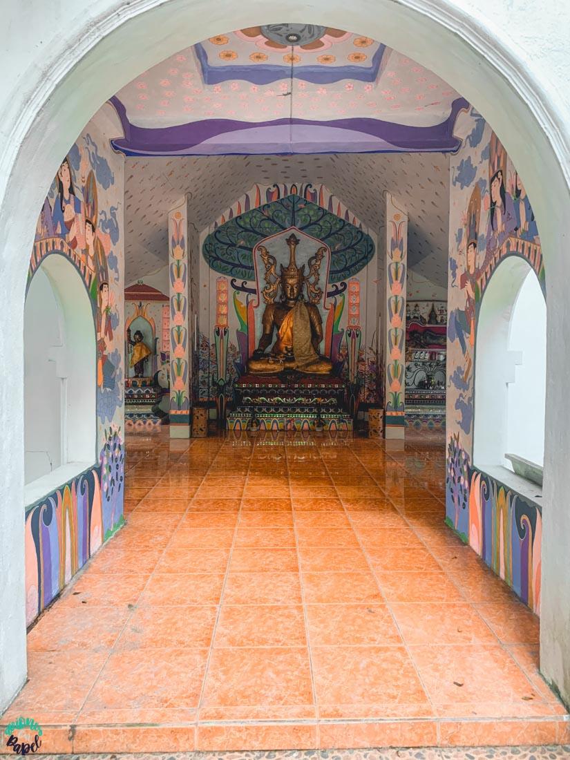 Interior del Ubosot del Wat Pha Lat. Chiang Mai