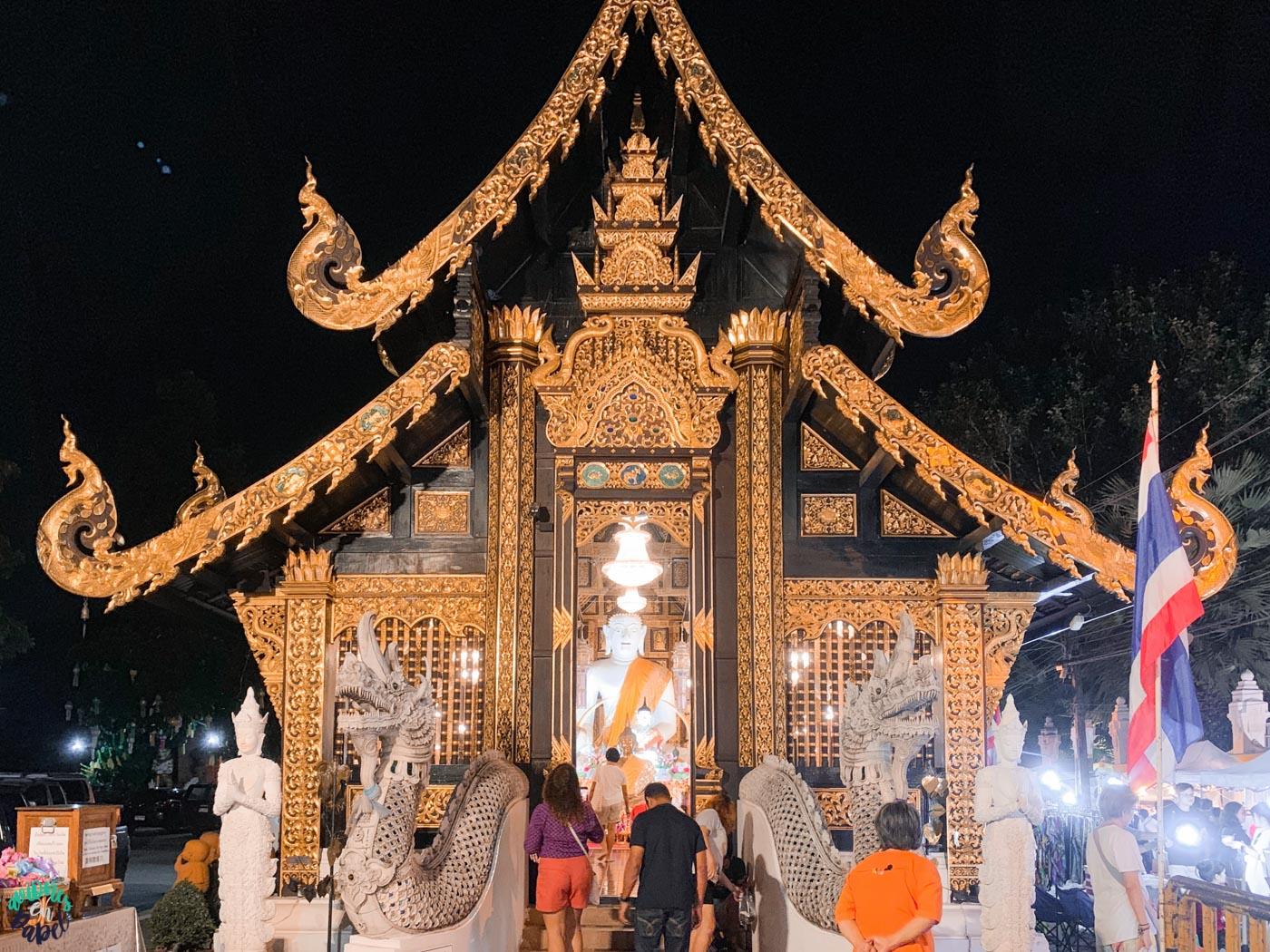 Qué hacer en Chiang Mai en 3 días: Visitar el Sunday Night Market