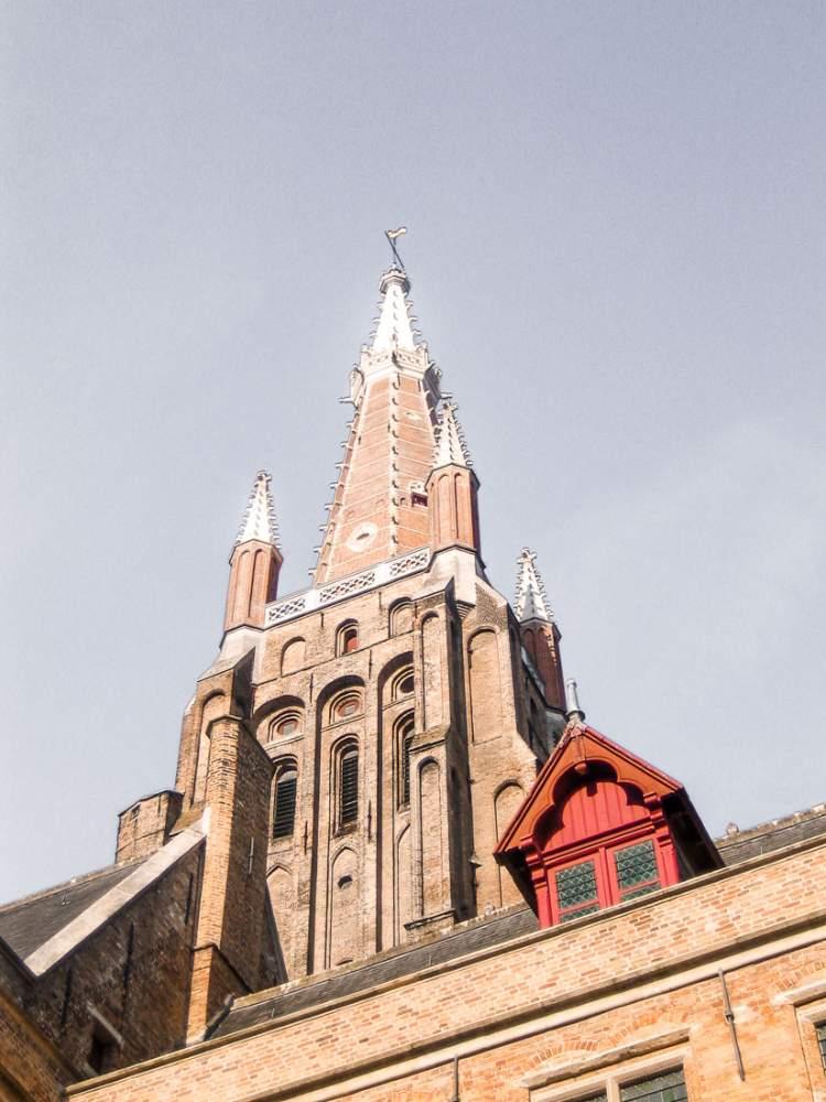 Torre de la Iglesia de Nuestra Señora en Brujas. Bélgica