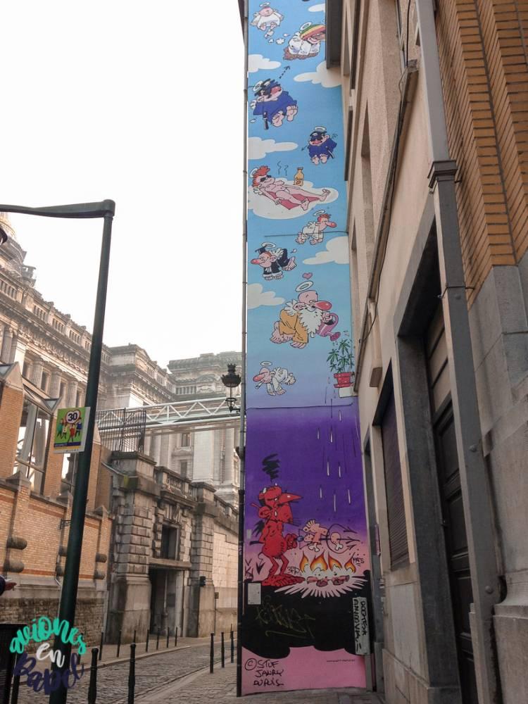 Mural Ruta del Cómic Passe Moi L´Ciel (Alcánzame el cielo), Bruselas