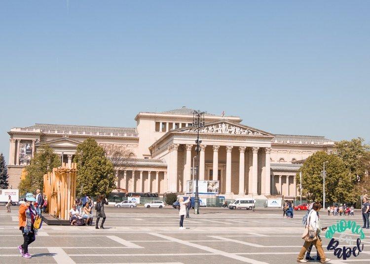 Museo de Bellas Artes en la Plaza de los Héroes, Budapest