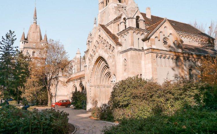 Castillo Vajdahunyad en el parque de la Ciudad, Budapest