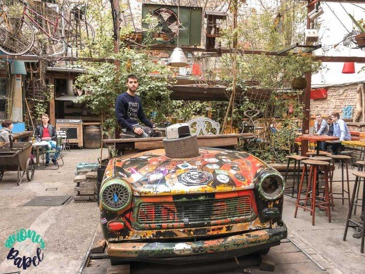 Qué ver y hacer en Budapest en 4 días: Szimpla Kert