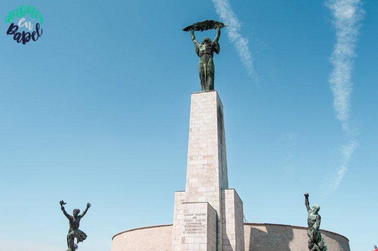 Estatua de la Libertad de la Colina Gellért, Budapest