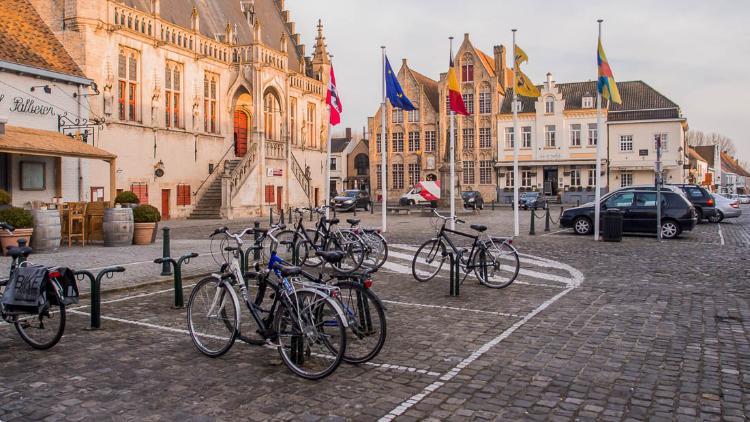 Excursión a Damme en bicicleta desde Brujas: Grote Markt