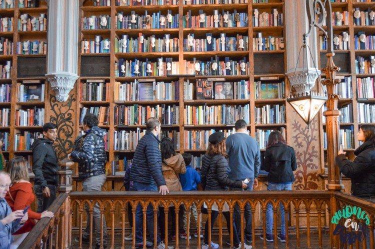 Interior de la Librería Lello, Oporto