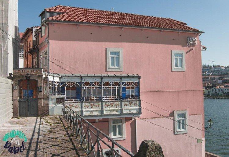 1872 House River. Barrio de la Ribeira, Oporto