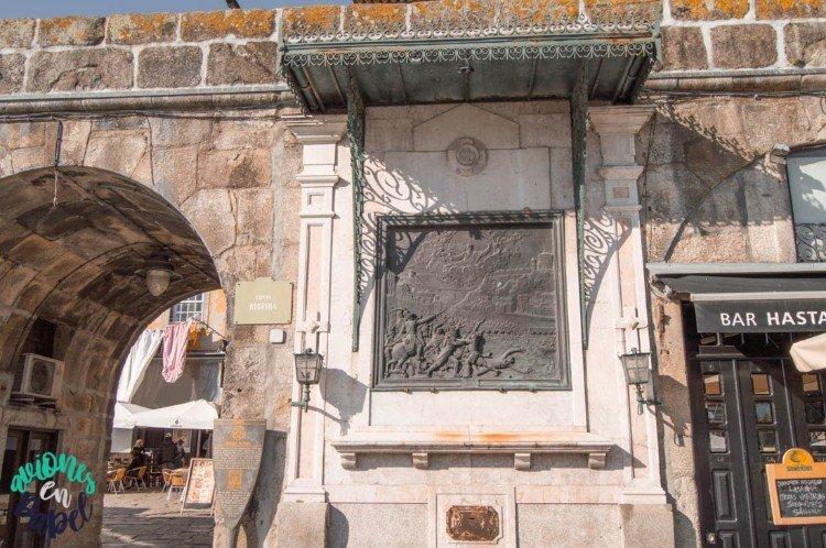 Alminhas da Ponte. Barrio de la Ribeira, Oporto
