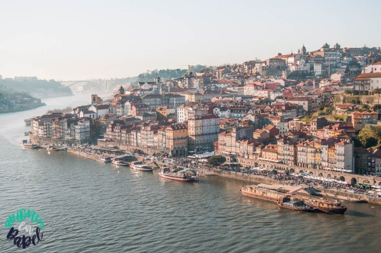 Vistas del Barrio de la Ribeira desde el Puente Don Luis I