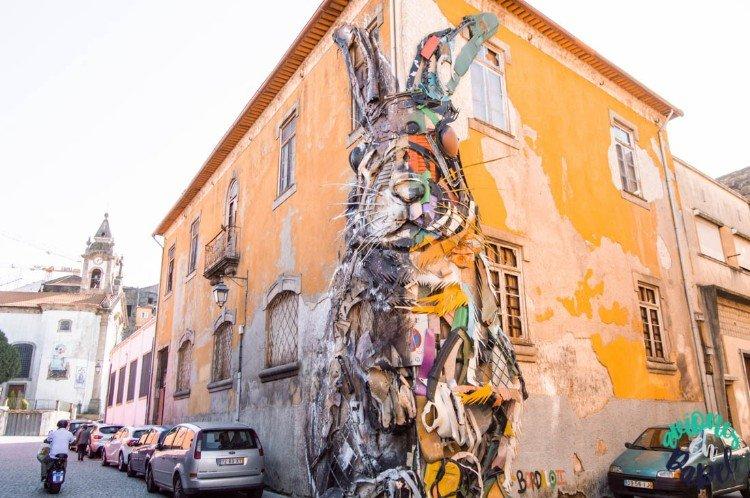 Escultura Half Rabbit de Bordalo II, Oporto