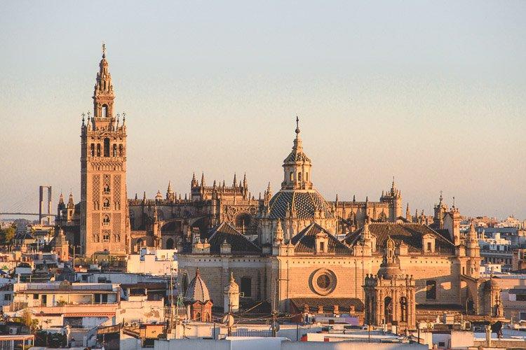 Mejores zonas y barrios donde alojarse en Sevilla: centro histórico