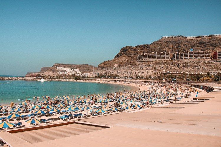 Playa de Amadores en Puerto Rico, Gran Canaria