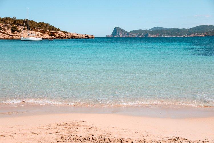 Cala Bassa: Qué ver en Ibiza en 4 días