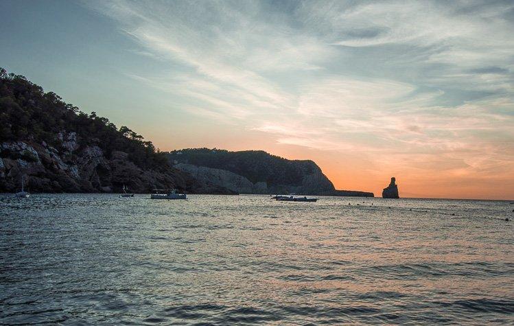Atardecer en Cala Benirrás, Ibiza