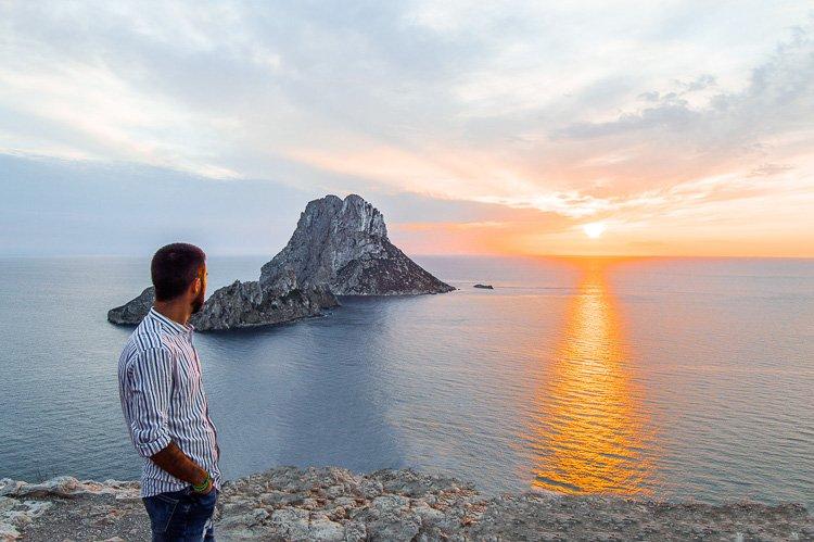 Qué ver en Ibiza en 4 días: atardecer en mirador de Es Vedrá