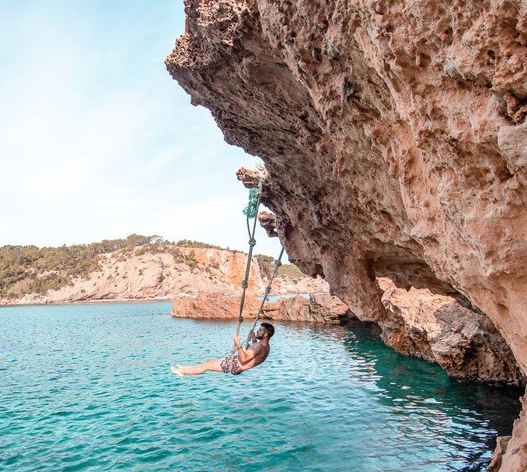 Columpio de Cala Xarraca - Dónde hacer las mejores fotos en Ibiza