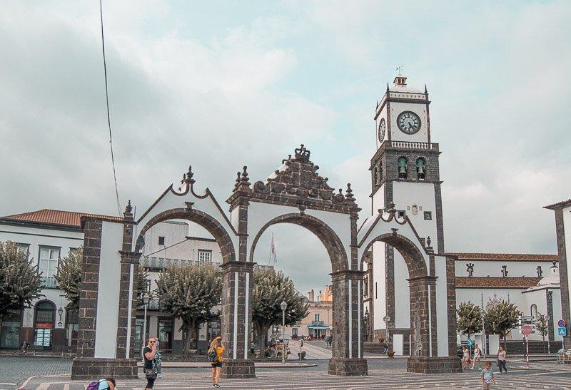 Qué ver y hacer en Ponta Delgada: Portas da Cidade