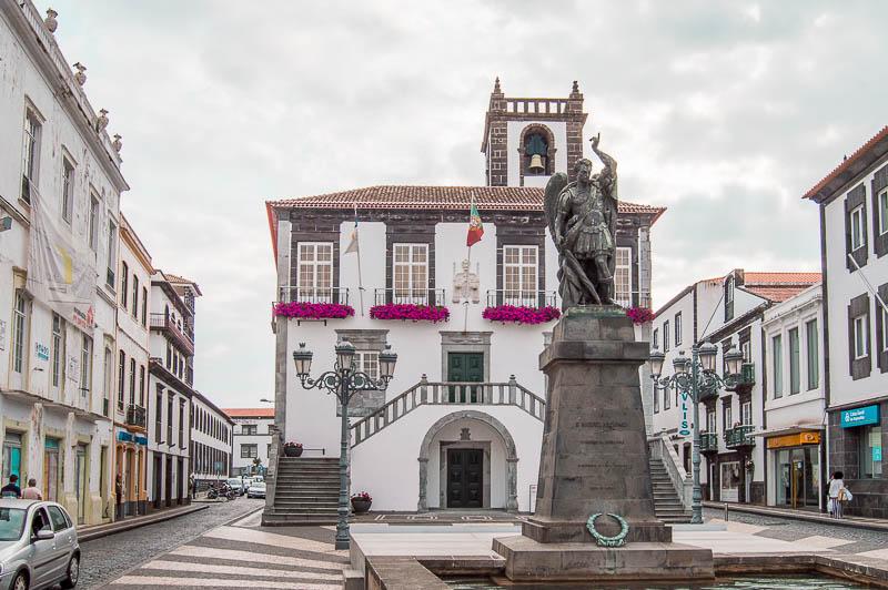 Ayuntamiento y Torre Sineira: Ponta Delgada
