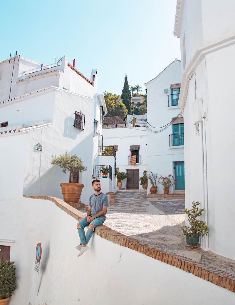Spot Callejón de la Ánimas, uno de los rincones más bellos que ver en Frigiliana