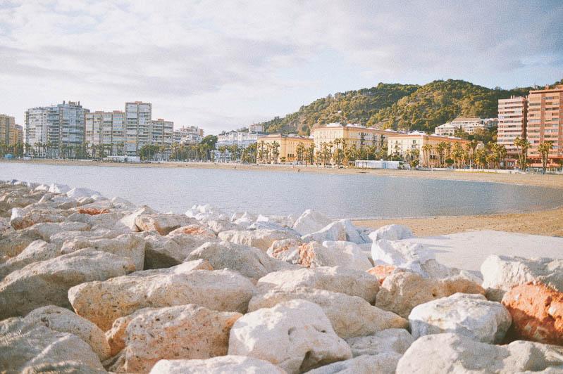 Qué ver y hacer en Málaga en un día: Playa de la Malagueta