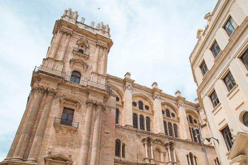 Fachada de la Catedral de Málaga en la Plaza del Obispo