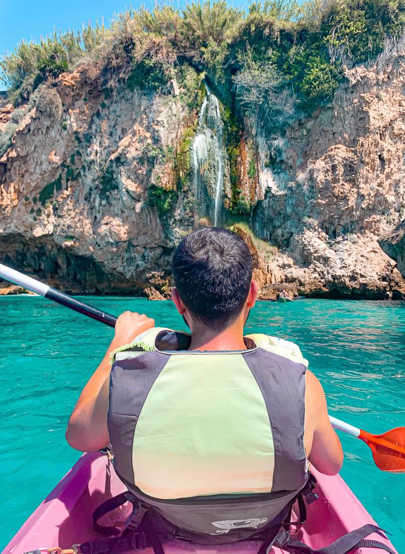 Kayak por la cascada de Maro I Qué ver y hacer en Nerja en un día