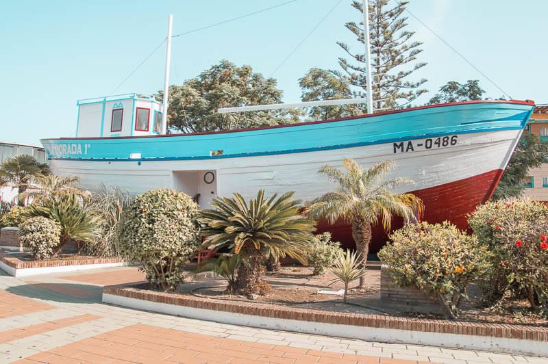 "Réplica del barco de Chanquete ""la Dorada"" en Nerja"